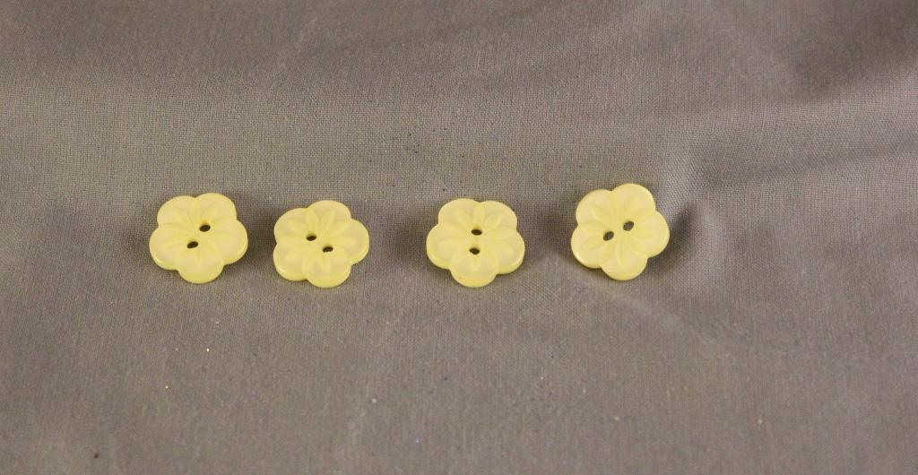 Flower button cream pale lemon 18mm button dox devon for Lemon button